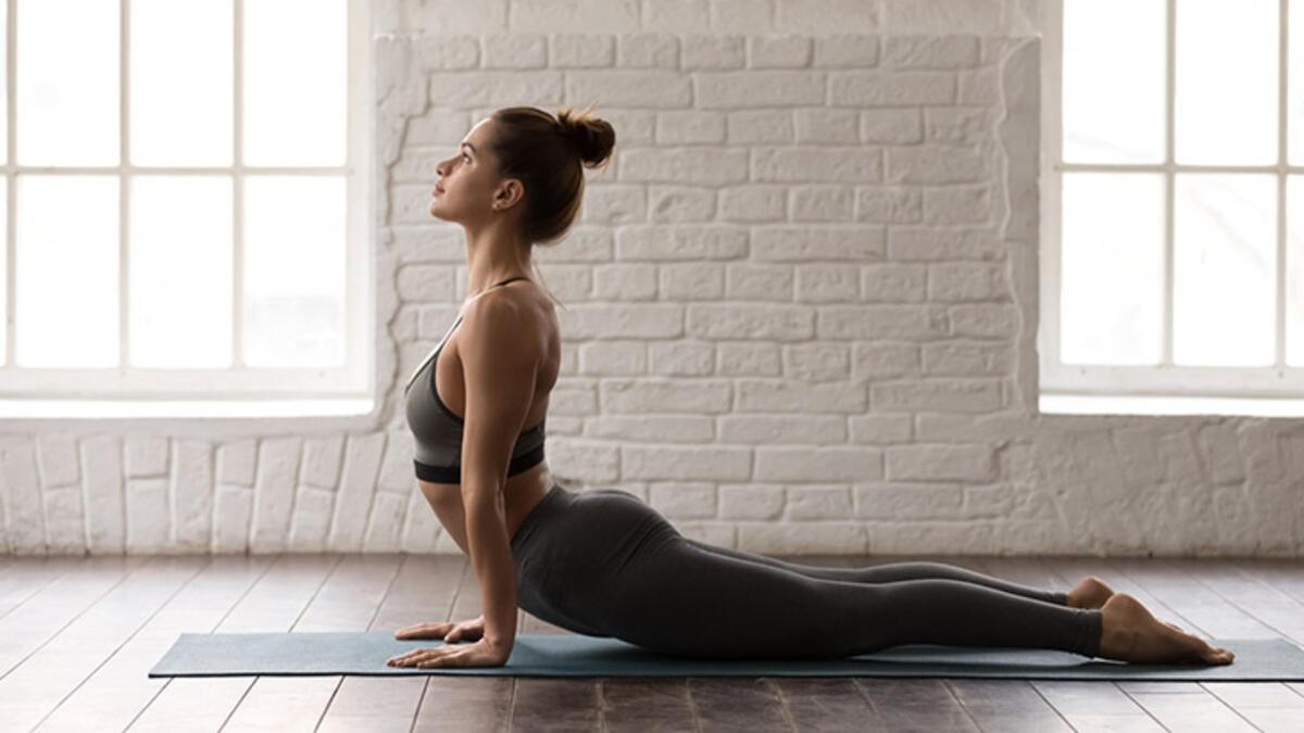 yoga kobra pozu