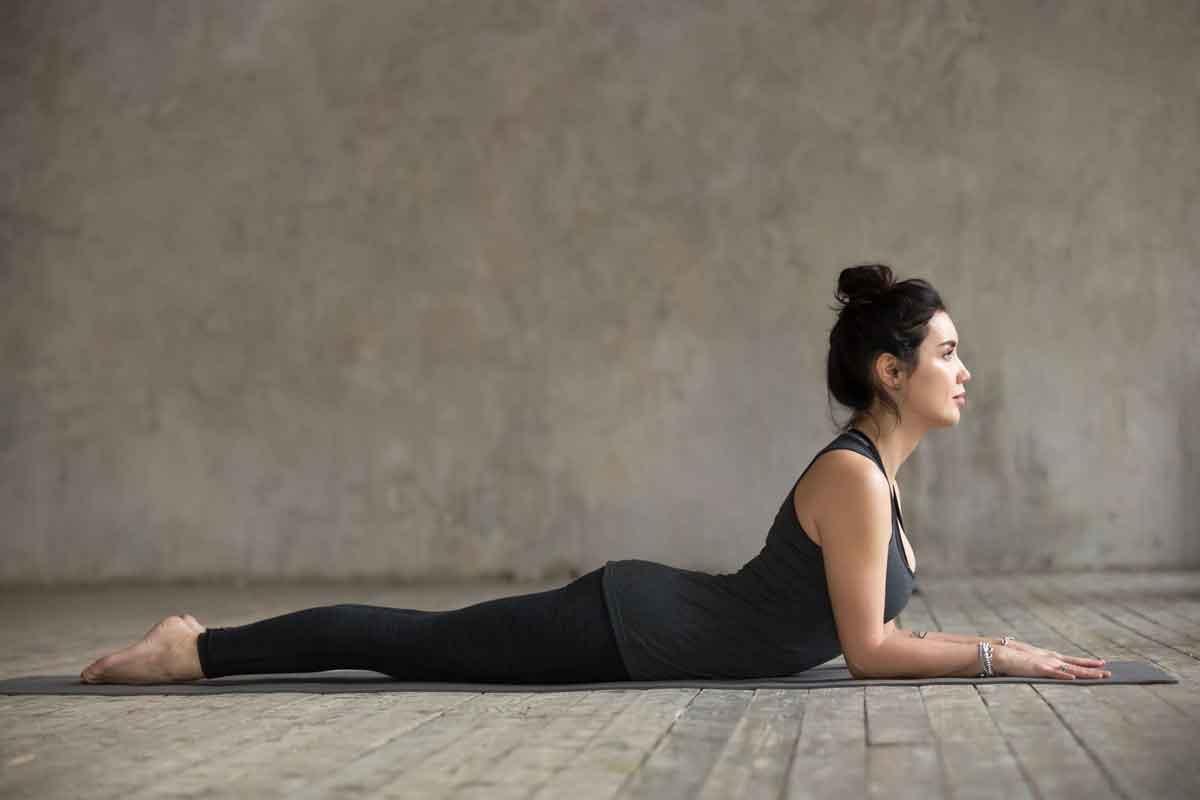 Yoga Sfenks pozisyonu